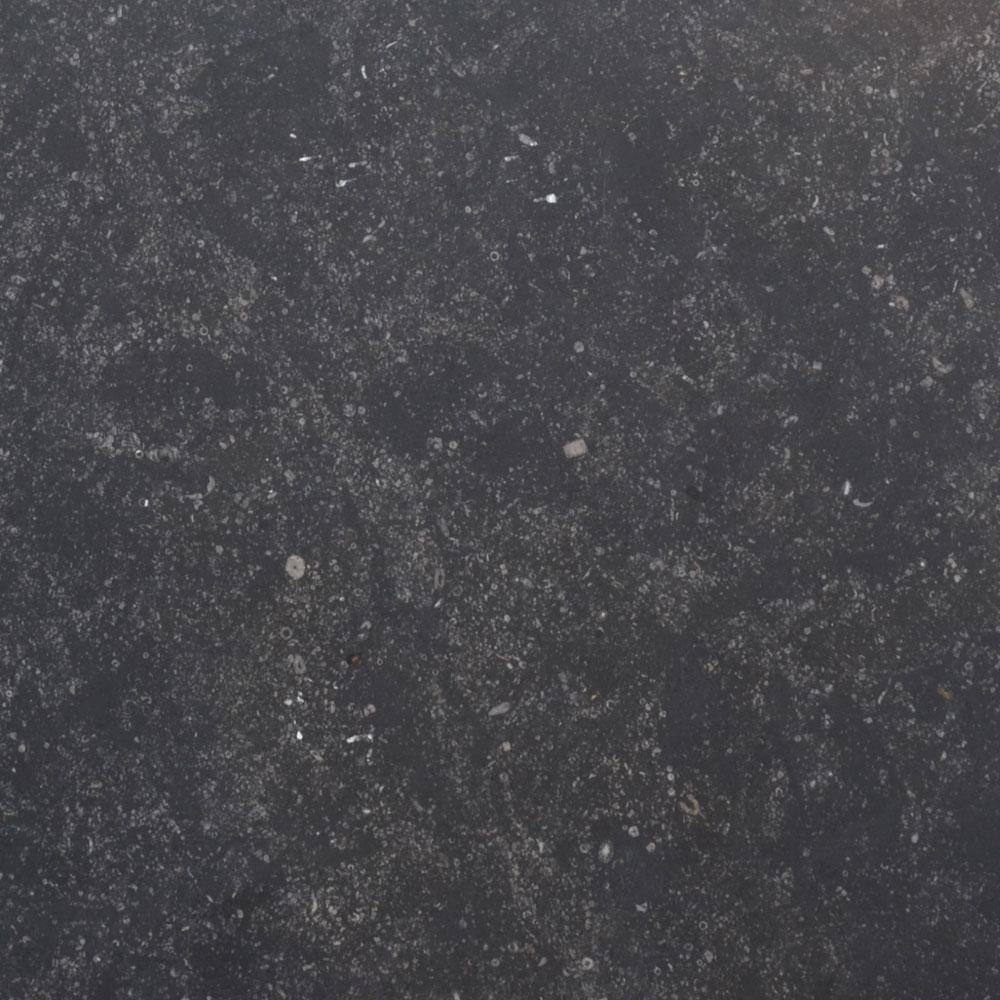 Belgisch Hardsteen - Donker Verzoet Oppervlak/Strak